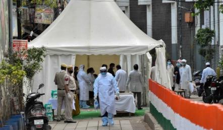 നിസാമുദ്ദീനിൽ 200 പേർക്ക് Corona രോഗ ലക്ഷണമെന്ന് സംശയം; FIR രജിസ്റ്റർ ചെയ്യാൻ ഉത്തരവ്