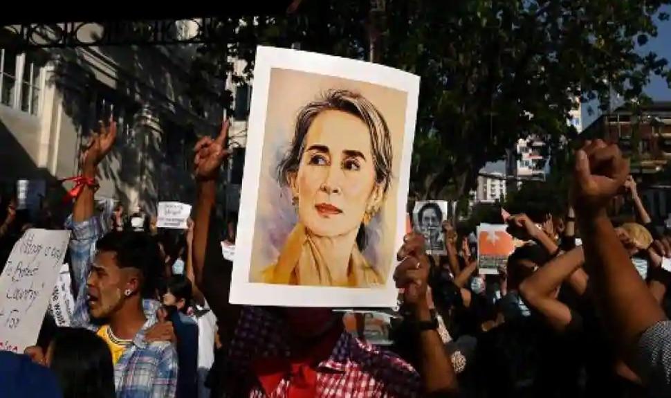 Myanmar Military Coup: പ്രതിഷേധക്കാർക്കെതിരെ നടത്തിയ വെടിവെയ്പ്പിൽ ഒരാൾ മരണപ്പെട്ടു; നിരവധി പേർക്ക് പരിക്ക്