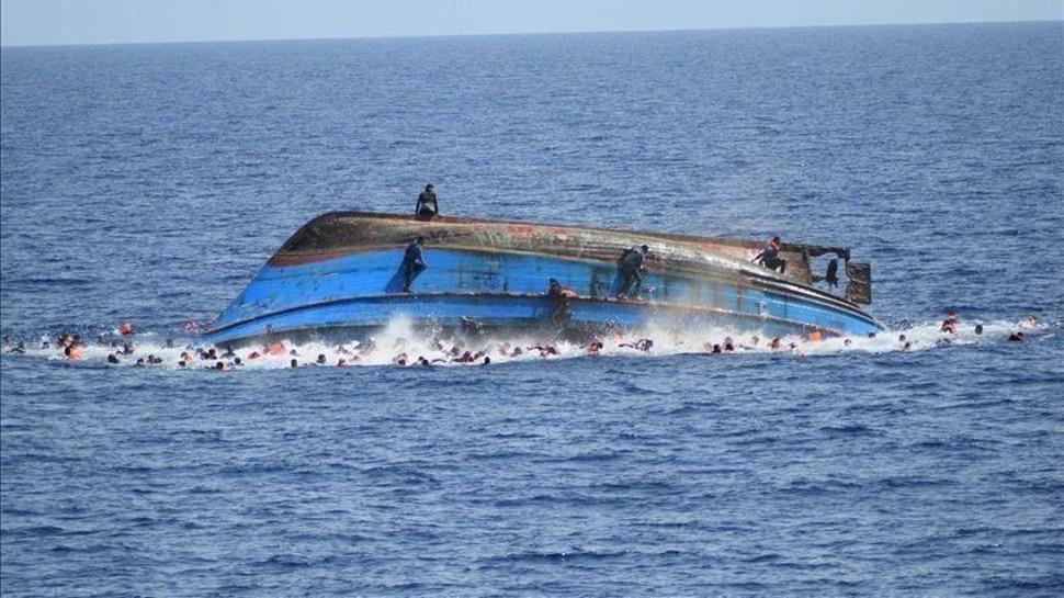 Mangalore Boat Accident: കപ്പൽ ബോട്ടിലിടിച്ച് 12 പേരെ കാണാതായി,അപകടത്തിൽപ്പെട്ടത്  ബേപ്പൂരിൽ നിന്നും മീൻ പിടിക്കാൻ പോയ ബോട്ട്