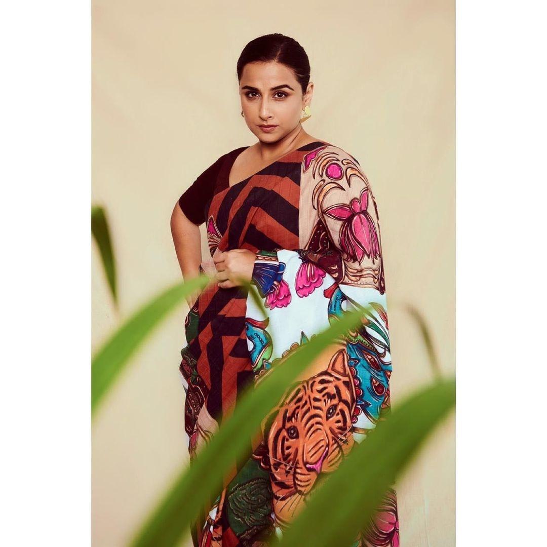 Vidya Balan in printed saree announces Sherni is here, see new pics | സാരിയിൽ Sherni യായി Vidya Balan ; ചിത്രങ്ങൾ കാണാം | Photo-gallery News in Malayalam