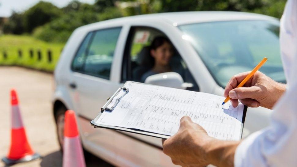 Driving licence New Rule: ടെസ്റ്റിന് പോവേണ്ട, അഗീകൃത ഡ്രൈവിങ്ങ് സ്കൂളിൽ വണ്ടി ഒാടിക്കാൻ പഠിച്ചാൽ മതി ലൈസൻസ് വീട്ടിലെത്തും