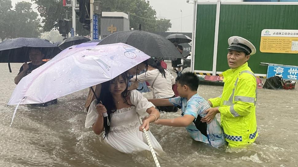 China Flood : പ്രളയത്തിൽ വലഞ്ഞ് ചൈന; 33 പേർ വെള്ളപ്പൊക്കത്തെ തുടർന്ന് മരണപ്പെട്ടു