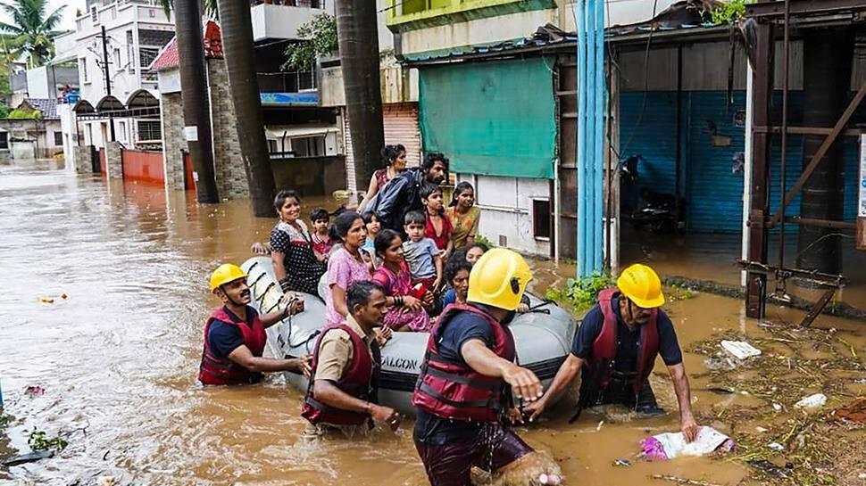 Maharashtra Rain : കനത്ത മഴയെയും മണ്ണിടിച്ചിലിനെയും തുടർന്ന് മഹാരാഷ്ട്രയിൽ 76 പേർ മരിച്ചു; 90,000 പേരെ മാറ്റി പാർപ്പിച്ചു