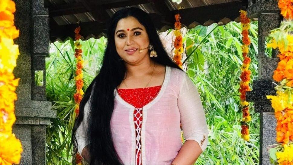 Actress Lakshmi Priya : നടി ലക്ഷ്മി പ്രിയയുടെ പേര് ഔദ്യോഗികമായി ലക്ഷ്മി പ്രിയ എന്നാക്കി