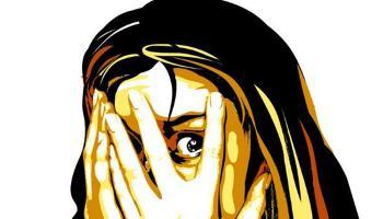വാളയാർ പെണ്കുട്ടികളുടെ ദുരൂഹമരണം: എസ്ഐയെ അന്വേഷണ ചുമതലയിൽനിന്നു മാറ്റി