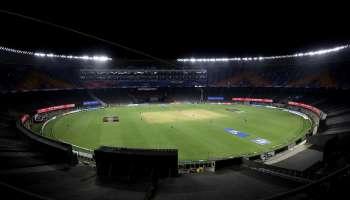 IPL 2021, KKR vs RCB : മലയാളിയായ സന്ദീപ് വാര്യർ ഉൾപ്പെടെ രണ്ട് Kolkata Knight Riders താരങ്ങൾക്ക് കോവിഡ്, ഇന്നത്തെ IPL മത്സരം മാറ്റിവെച്ചു