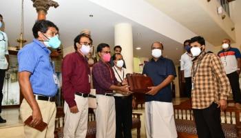 Kerala Budget 2021:ബജറ്റ് പ്രസംഗം ആരംഭിച്ചു, 20,000 കോടിയുടെ രണ്ടാം കോവിഡ് പാക്കേജ്