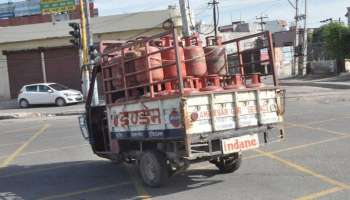Bumper Offer! LPG സിലിണ്ടർ ബുക്കിംഗിൽ 2700 രൂപയുടെ ആനുകൂല്യം