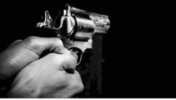 Delhi Rohini Shoot Out : ഡൽഹിയിൽ കോടതിക്കുള്ളിൽ ഉണ്ടായ ഗുണ്ട സംഘങ്ങളുടെ വെടിവെയ്പ്പ് കേസിൽ 2 പേർ അറസ്റ്റിൽ