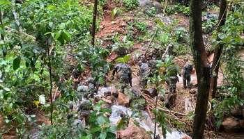 Kerala Rain Crisis : കോട്ടയത്ത് മഴവെള്ള പാച്ചിലിൽ ഒഴുക്കിൽപ്പെട്ട സഞ്ചാരികളെ രക്ഷപ്പെടുത്തി കെഎസ്ആർടിസി ജീവനക്കാർ