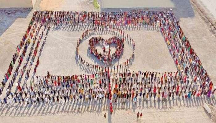ഐക്യ പാരസ്പര്യത്തിന്റെ സന്ദേശം ഉയര്ത്തി ഇന്ത്യന് വിദ്യാര്ഥികള്