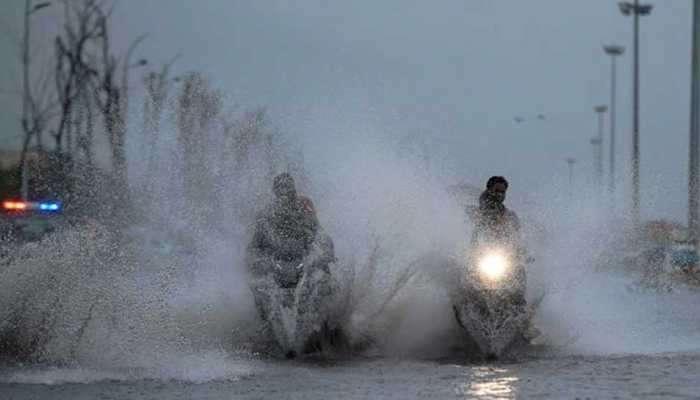സംസ്ഥാനത്ത് കനത്ത മഴ, 4 ജില്ലകളില് വിദ്യാഭ്യാസ സ്ഥാപനങ്ങള്ക്ക് അവധി